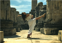 Anıl Nural, Gel Hadi'ye antik tapınakta klip çekti