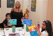 Trump AVM çocukları soyut resim yapmaya çağırıyor