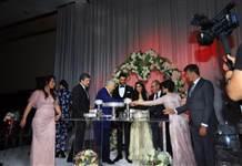 İnci Torunoğulları ile Yavuz Karalar masalsı törenle nişanlandı
